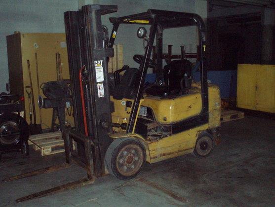 2000 5, 000 lb. CATERPILLAR