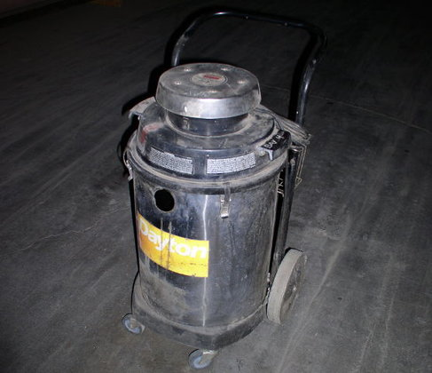 Dayton 3Z711G Industrial Vacuum Cleaner