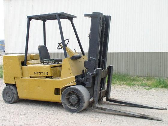 12, 000 lb. Hyster S120XLS