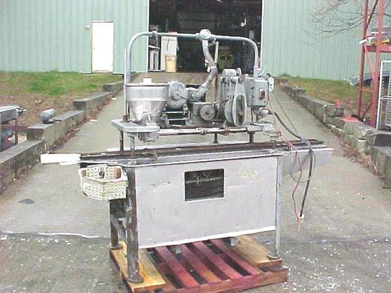 Elgin Conveyorized Twin Piston Filler