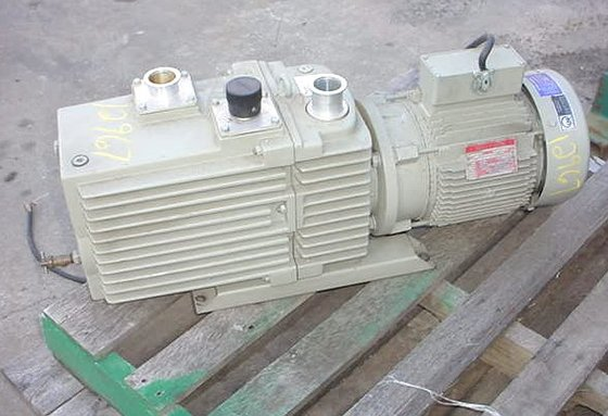 Leybold Heralus Vacuum Pump Rotary