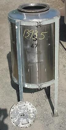 Vertical 250 Gallon Closed Top