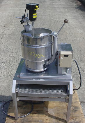 40 quart electrically heated tilting