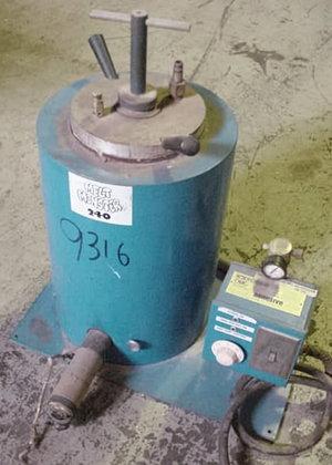 Melt Monster Melting Tank 240