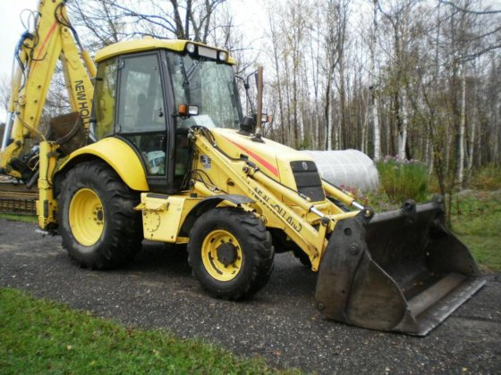 2002 NEW HOLLAND LB110 LB110