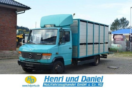 2002 MERCEDES-BENZ Closed box van