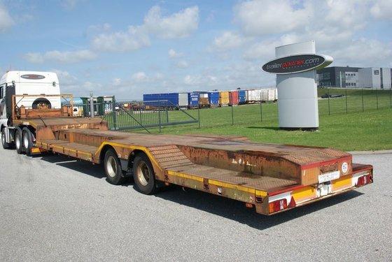 1997 Broshuis Tiefbett/radmulden Low loader