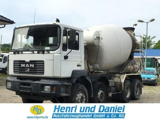 2002 MAN Concrete mixer in