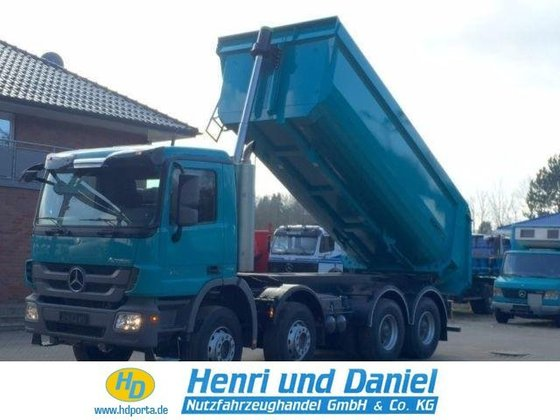 2016 MERCEDES-BENZ Concrete pump in