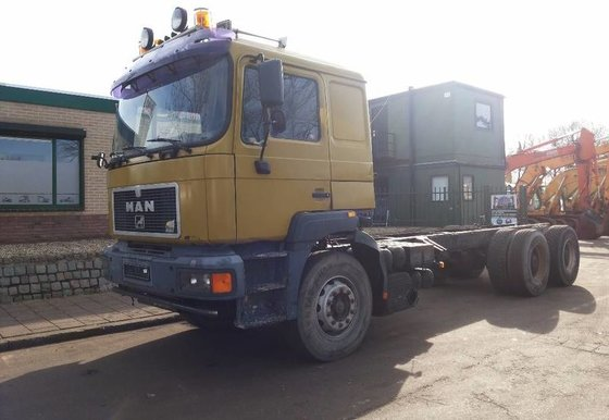 1996 MAN 33.403 Cab chassis