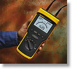 Fluke 1520 MegOhmMeter in Elgin,