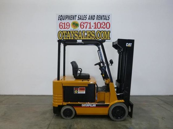 1998 CATERPILLAR 6000LB 2EC30 4 WHEEL ELECTRIC FORKLIFT #22757 in San  Diego, CA, USA