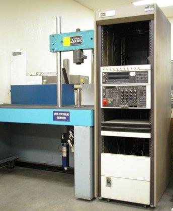 MTS Model 812.21 5.5 KIP