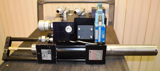 MTS Model 204.53 Hydraulic Actuator