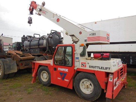 2001 SHUTTLELIFT 3340B in Edmonton,