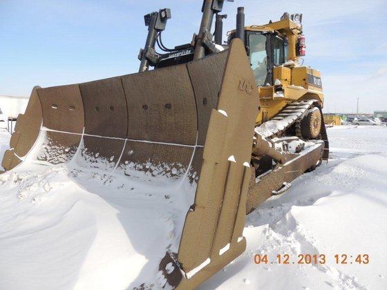 2004 CATERPILLAR D10T in Edmonton,