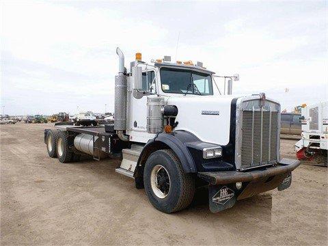 2000 KENWORTH T800B in Edmonton,