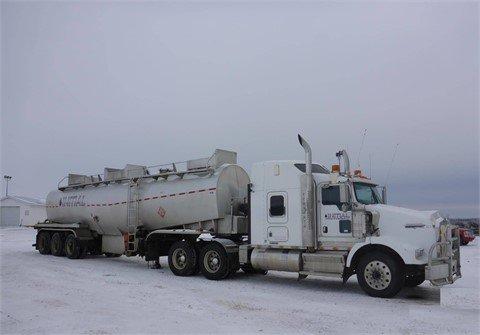 2008 KENWORTH T800 in Edmonton,