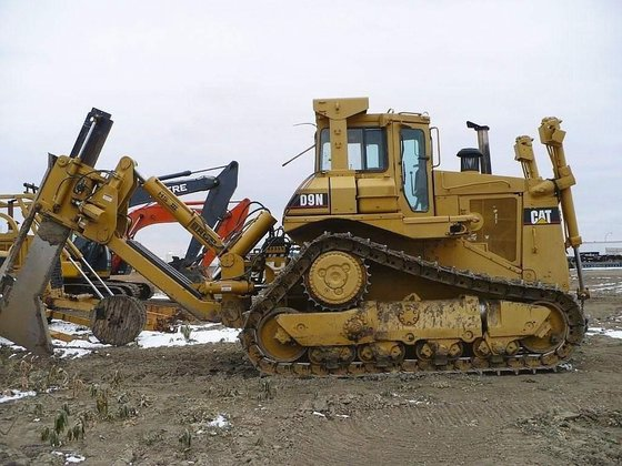 1993 CATERPILLAR D9N in Acheson,