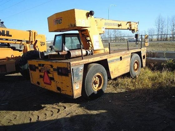 2003 BRODERSON IC80-3F in Edmonton,