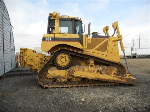 2007 CATERPILLAR D8T in Edmonton,