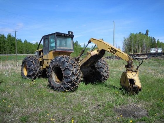1998 CATERPILLAR 525 in Edmonton,