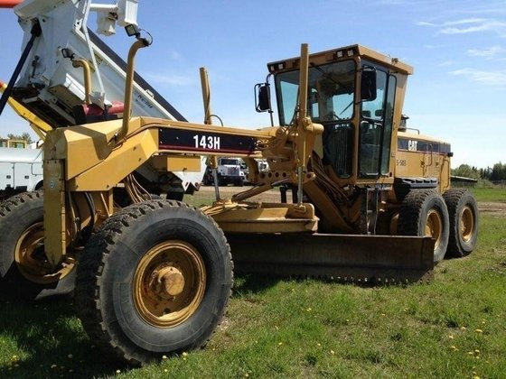2007 CATERPILLAR 143H in Edmonton,