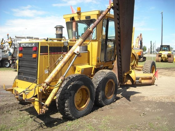 2002 CATERPILLAR 160H in Edmonton,