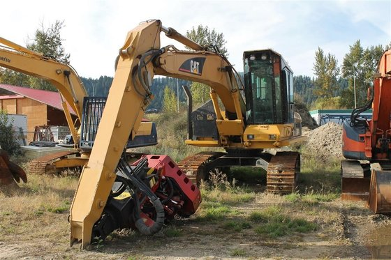 2006 CATERPILLAR 320 in Edmonton,