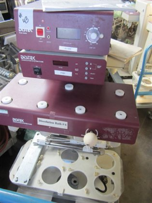 Distec 2100B Dissolution System in