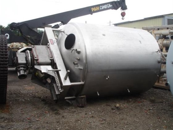 3000 Gallon Jacketed Mueller Twin