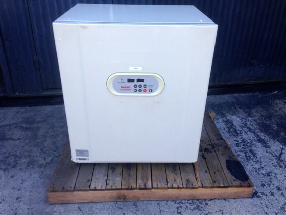 Sanyo CO2 Incubator. Model MCO-20AIC