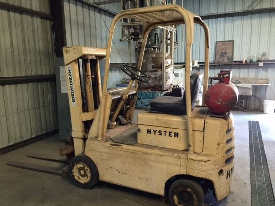 """Hyster 4000 lbs 48"""" lift"""
