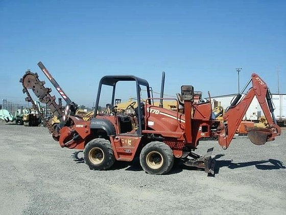 2002 DITCH WITCH RT70H in