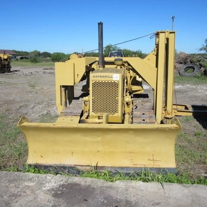 1987 CATERPILLAR D3B in Woodland,