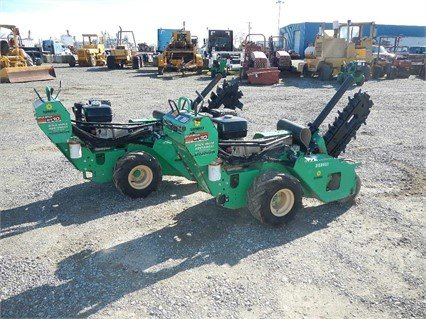 2011 DITCH WITCH RT10 Trencher