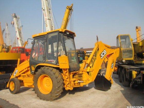JCB 3CX backhoe loader in Shanghai, China