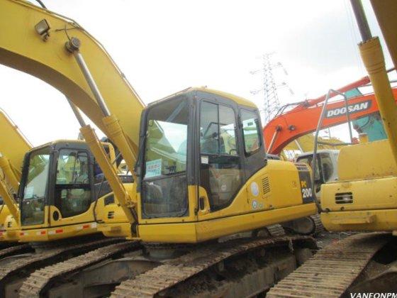 Komatsu PC200-7 excavator in Shanghai, China
