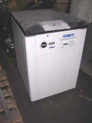MVE REFRIGERATOR, TYPE TEC-2000 in
