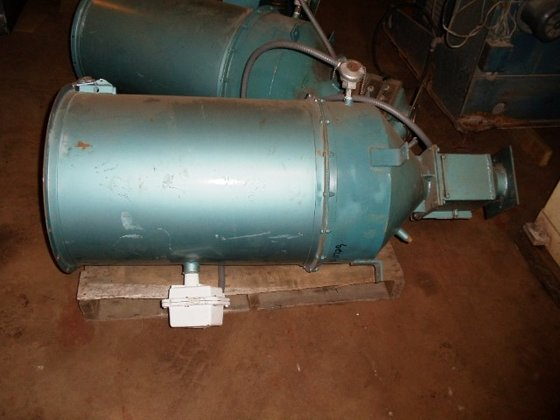 Una-Dyn HOPPER DRYER 200# in