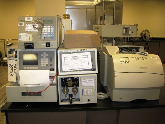 WATERS HPLC COMPONENTS in Cleveland,