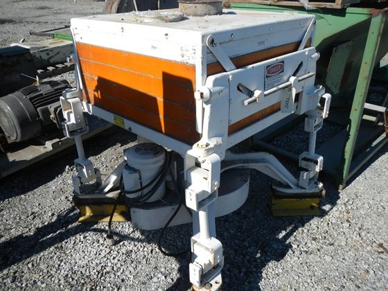 """Sprout Bauer D4 32"""" SIFTER,"""