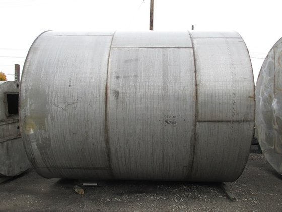 9950 GAL STAINLESS STEEL TANK