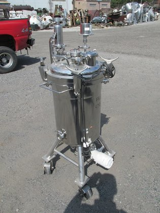 2001 APC ALLOY PRODUCTS REACTOR,