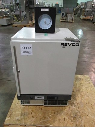 Revco UFP430A18 REFRIGERATOR in Cleveland,