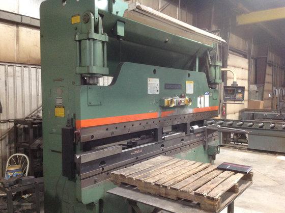 135 Ton X 12' Cincinnati Model 90CB CNC Press Brake in