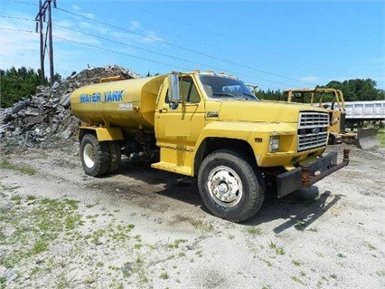 1994 FORD F700 in Greeleyville,