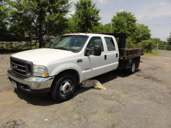 2004 FORD F350 in Greeleyville,
