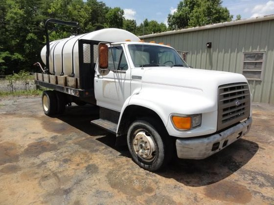 1995 FORD F800 in Greeleyville,