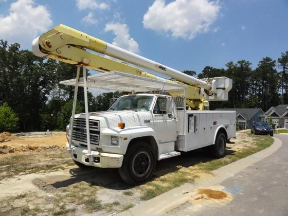 1990 FORD F700 in Greeleyville,